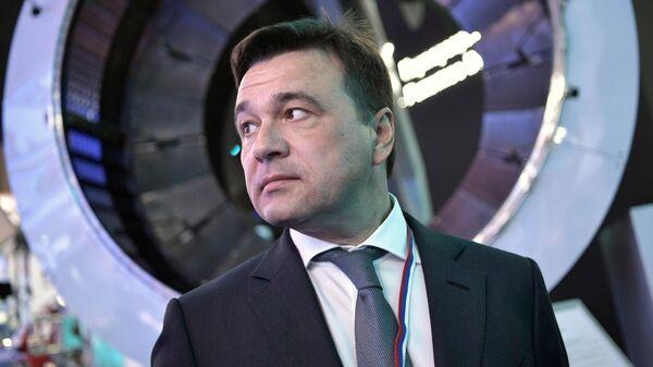 Губернатор Московской области Андрей Воробьёв во время посещения Международного авиакосмического салона МАКС-2019