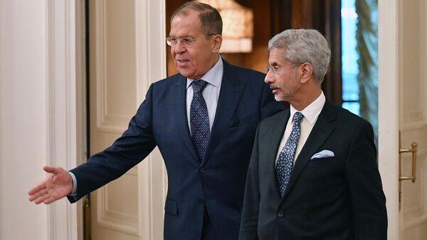 Министр иностранных дел РФ Сергей Лавров и министр иностранных дел Индии Субраманиам Джайшанкар