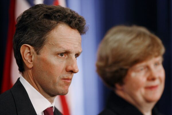 Новый министр финансов США Тимоти Гайтнер и глава группы экономических советников при президенте США Кристина Ромер