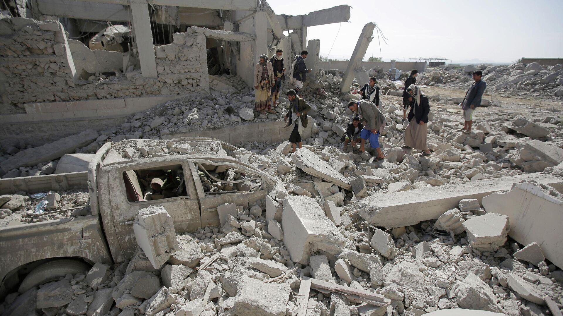 Разрушения в провинции Дхамар на юго-западе Йемена в результате авиаударов - РИА Новости, 1920, 27.05.2021