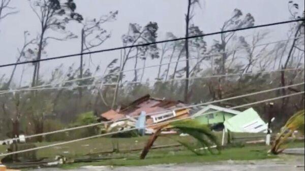 Последствия прохождения урагана Дориан на Багамских островах. 1 сентября 2019