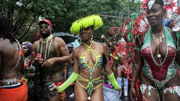 Участницы фестиваля карибской культуры в Нью-Йорке