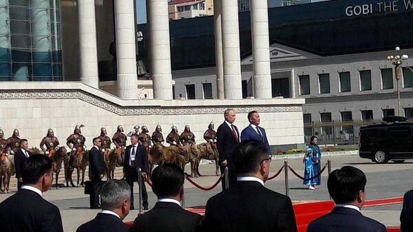 Президент РФ Владимир Путин и президент Монголии Халтмаагийн Баттулга в Улан-Баторе