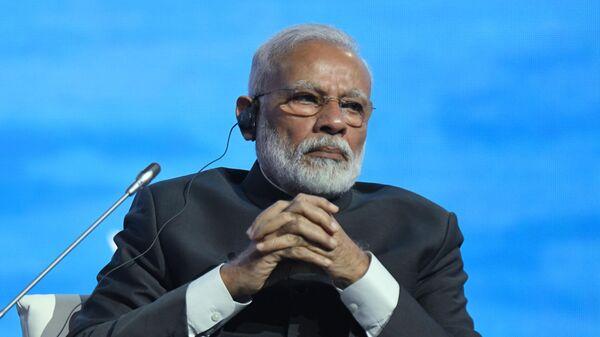 Премьер-министр Индии Нарендра Моди на пленарной сессии V Восточного экономического форума