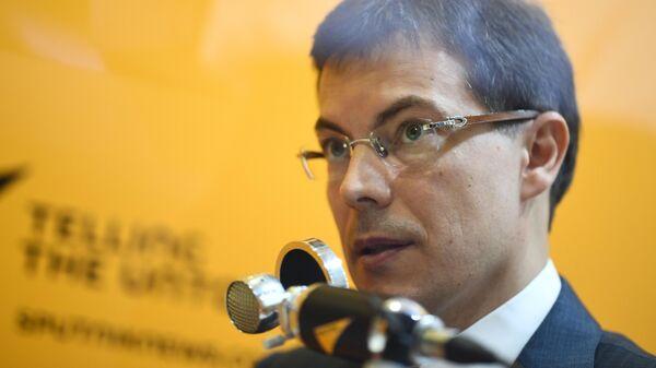 Руководитель АНО Российская система качества Максим Протасов во время интервью радио Sputnik на V Восточном экономическом форуме во Владивостоке