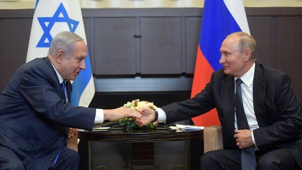 Владимир Путин и премьер-министр Израиля Биньямин Нетаньяху во время встречи