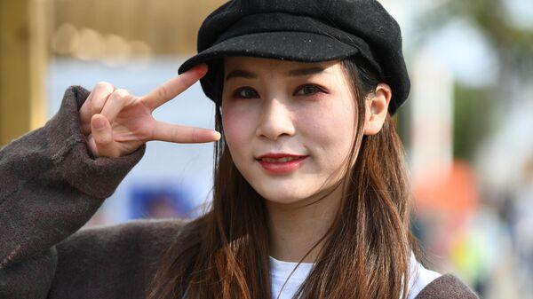 Девушка на фестивале китайской культуры Китай: великое наследие и новая эпоха на ВДНХ в Москве