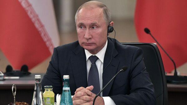 Президент РФ Владимир Путин на V встрече глав государств - гарантов Астанинского процесса содействия сирийскому урегулированию
