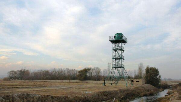 Смотровая вышка на таджико-киргизской границе