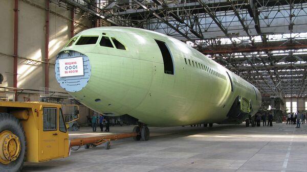 Сборка опытного образца самолета Ил-96-400М