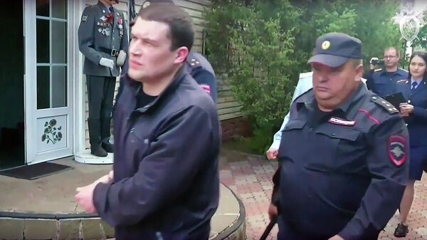 Александр Агеев во время следственного эксперимента