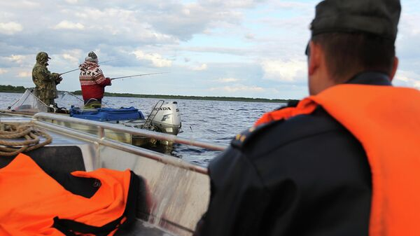 Сотрудники рыбнадзора во время рейда