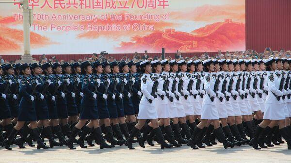 Военнослужащие КНР на военном параде, приуроченном к 70-летию образования Китая, в Пекине