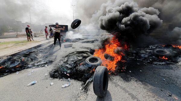 Акция протеста в Багдаде, Ирак.  2 октября 2019 года