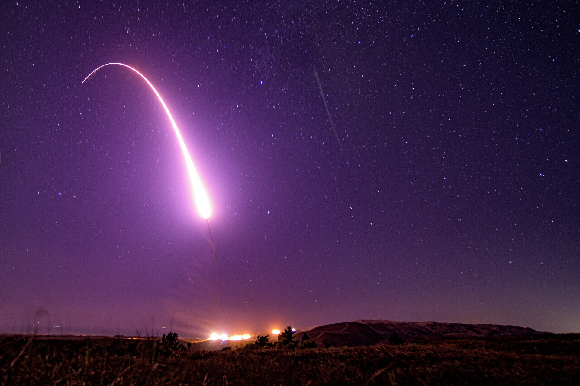 Пуск американской межконтинентальной баллистической ракеты Minuteman III - РИА Новости, 1920, 17.09.2020