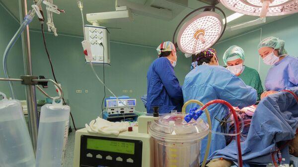 Операция в онкологическом центре