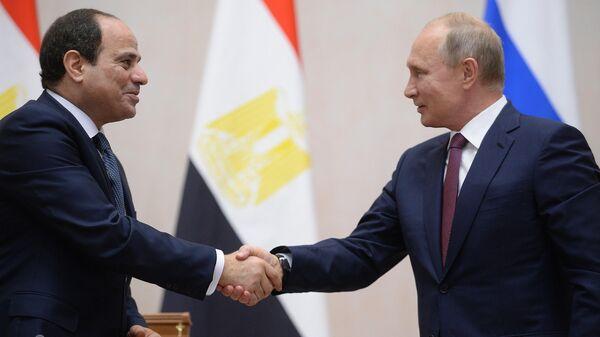 Президент РФ Владимир Путин и президент Арабской Республики Египет Абдель Фаттах ас-Сиси