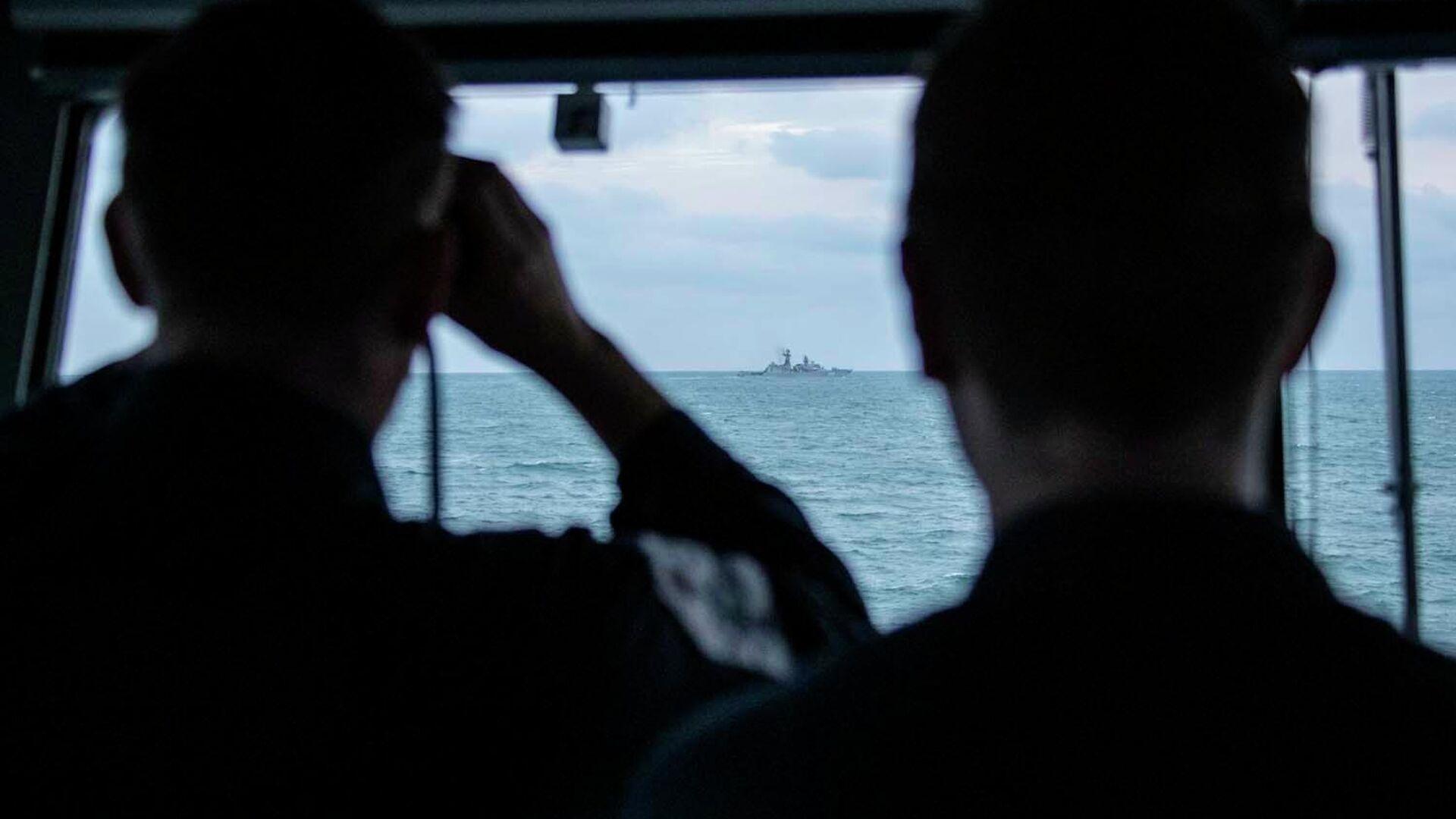 Британский патрульный корабль HMS Mersey сопроводил отряд из трех кораблей российского Балтийского флота, следовавших вдоль берегов Великобритании к проливу Ла-Манш - РИА Новости, 1920, 20.10.2020