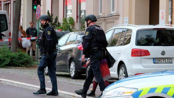 Сотрудники немецкой полиции