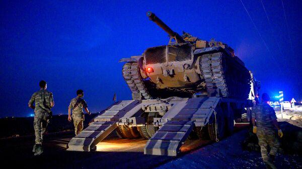Турецкие военные на границе с Сирией