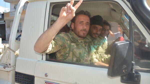 Бойцы Свободной Сирийской армии на приграничной территории Турции и Сирии Акчакале – Тель Абьяд