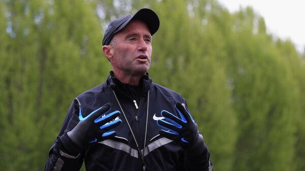 Тренер по легкой атлетике Альберто Салазар