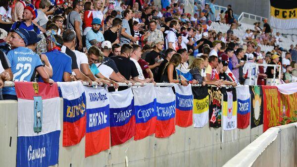 Болельщики сборной России на стадионе в Никосии
