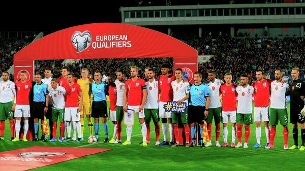Футболисты сборных Болгарии и Англии