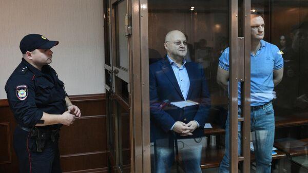 Александр Дрыманов и Алексей Крамаренко во время заседания Московского городского суда