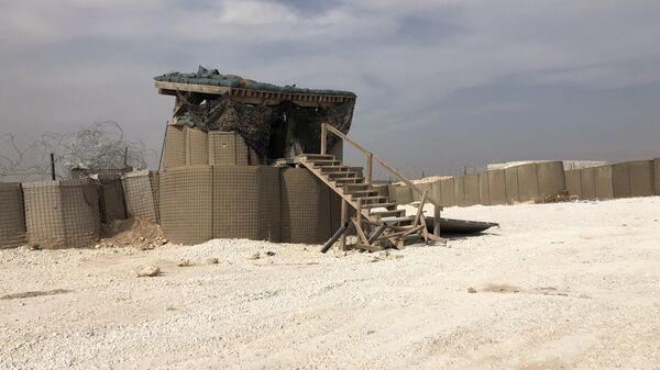 Покинутая база авианаводчиков армии США в поселении Дадат в пригороде Манбиджа на северо-востоке Сирии