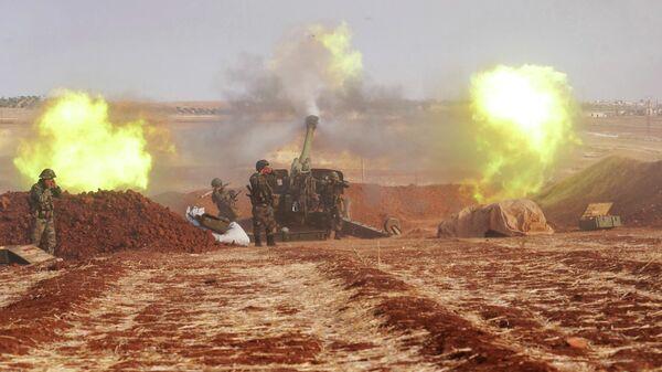 Артиллерийские орудия сирийской армии в провинции Идлиб
