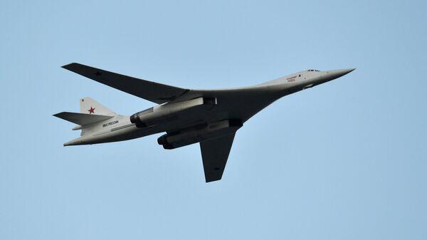 Бомбардировщик-ракетоносец Ту-160