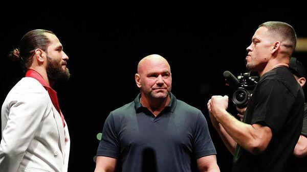 Бойцы UFC Хорхе Масвидаль (слева) и Нейт Диас (справа)