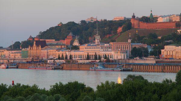 Вид на Речной вокзал и Нижегородский кремль в Нижнем Новгороде
