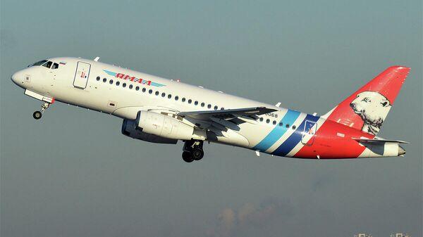Пассажирский самолет Sukhoi Superjet 100 авиакомпании Ямал