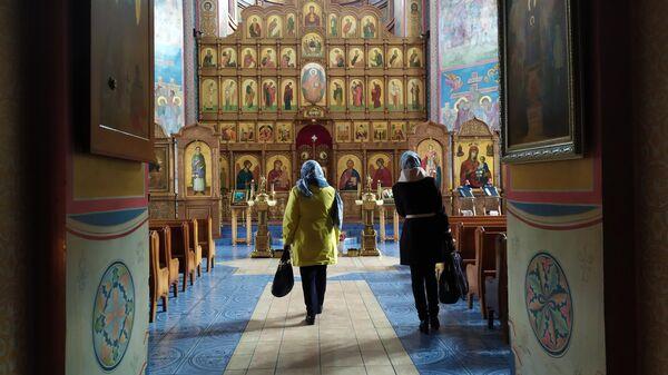 В соборе Святой Троицы Свято-Троицкой Симеоновой обители милосердия поселка Саракташ Оренбургской области.