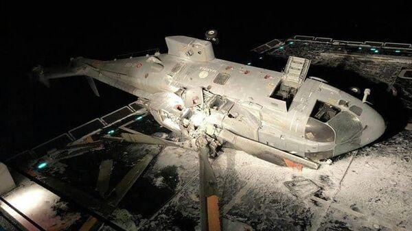 Последствия крушения вертолета на борту эсминца Caio Duillio