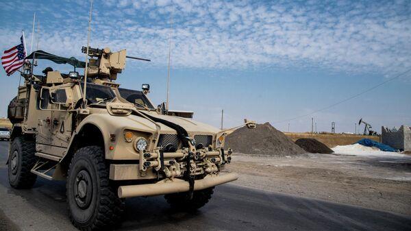 Американские военные патрулируют сирийские нефтяные месторождения