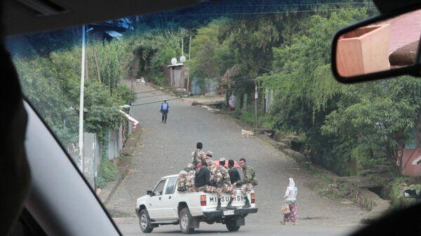 Машина Амхарской полиции, сопровождавшая российских журналистов. Гондэр. Эфиопия