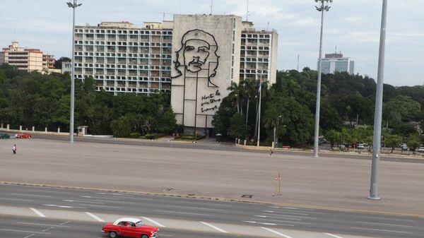 Портрет Че Гевары на Площади революции