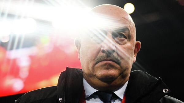 Главный тренер сборной России Станислава Черчесов перед началом отборочного матча чемпионата Европы по футболу 2020 между сборными России и Бельгии.