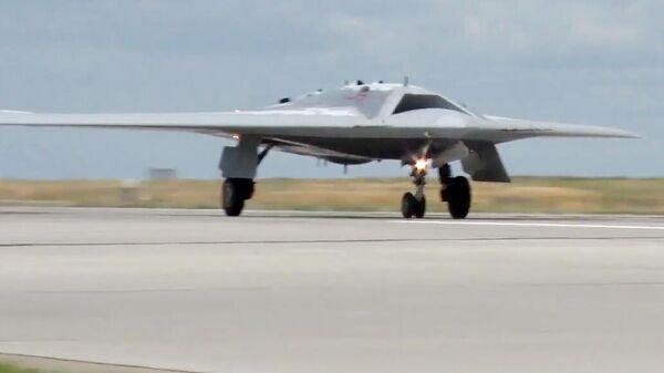Испытания боевого беспилотного авиационного комплекса Охотник