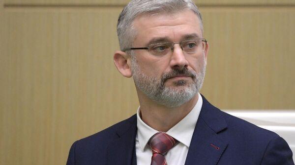 Министр транспорта России Евгений Дитрих на заседании Совета Федерации