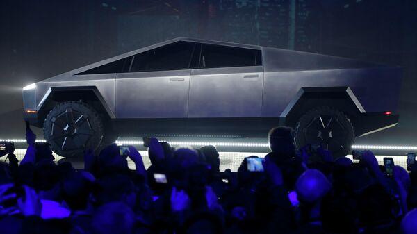 Автомобиль Tesla Cybertruck