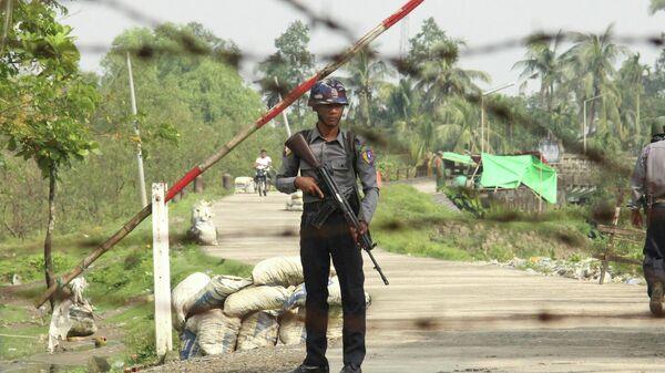 Полицейский в Мьянме