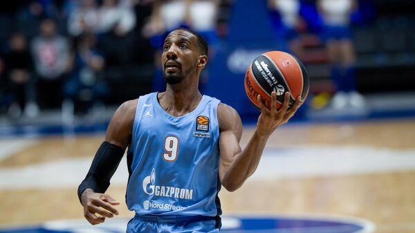 Баскетболист Зенита Остин Холлинз