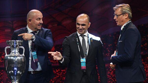 Станислав Черчесов, Роберто Мартинес и  Маркку Канерва (слева направо)