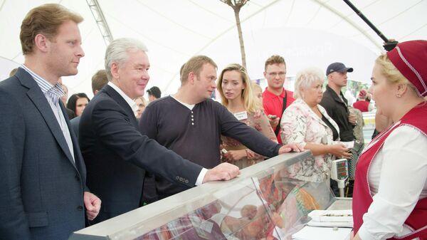 Мэр Москвы Сергей Собянин посетил гастрономический фестиваль Региональные ярмарки