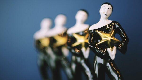 фарфоровая статуэтка - премия Звезда Театрала