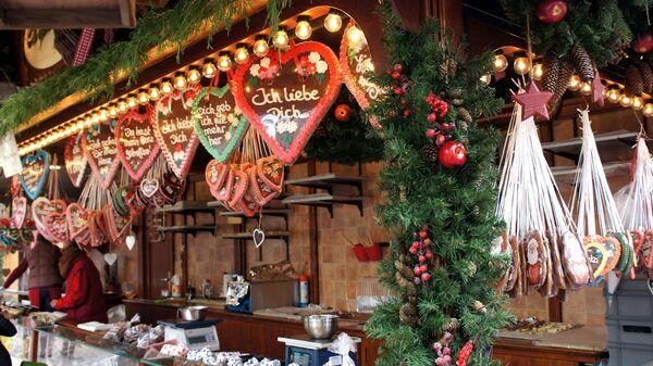 Имбирные пряники на рождественской ярмарке в Германии